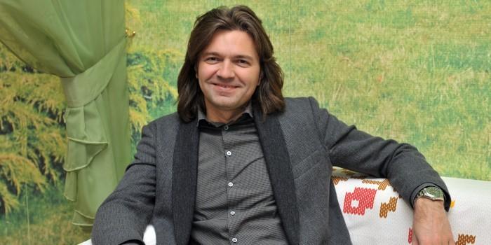 Дмитрий Маликов потребовал высечь Ольгу Бузову на конюшне