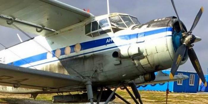 На Кубани пристав запрыгнул на взлетающий самолет, чтобы поймать должника