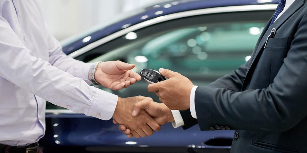 """Куплю-продажу подержанного авто можно будет оформить через """"Госуслуги"""""""