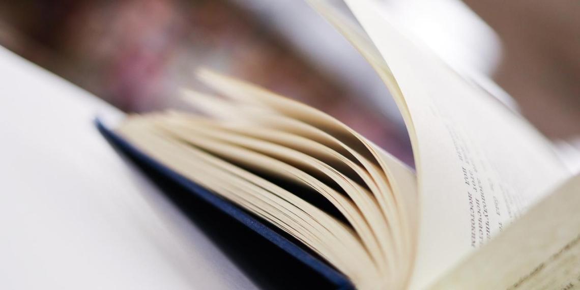 В России начали продавать книги по паспорту