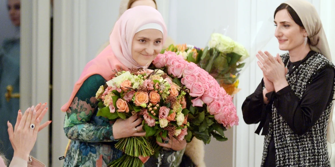 Кадыров наградил свою дочь медалью за заслуги перед Чечней