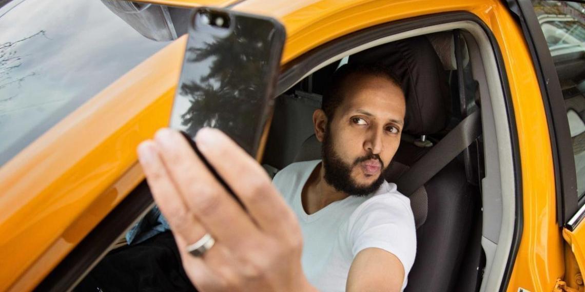 Среди сибиряков набирает популярность гей-такси