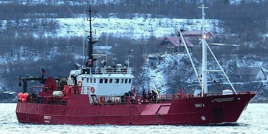 """ТАСС: в Баренцевом море погибли 17 моряков с затонувшего судна """"Онега"""""""