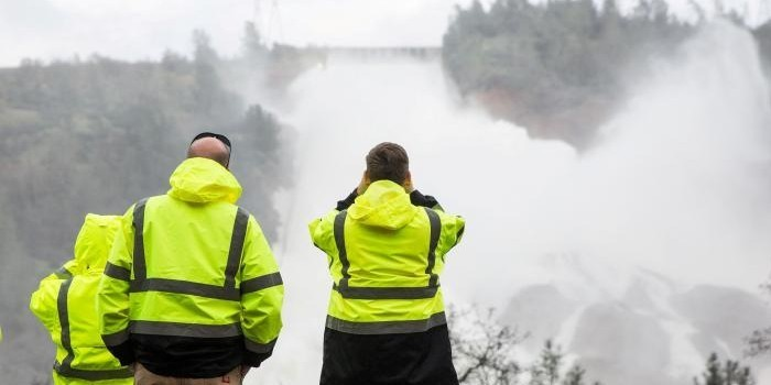 В Калифорнии объявили эвакуацию 160 тысяч человек из-за угрозы прорыва самой высокой плотины в США
