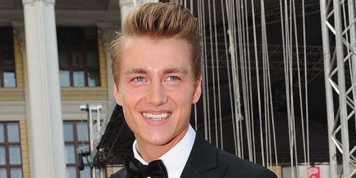 Актер и певец Алексей Воробьев признался, что половина его головного мозга мертва