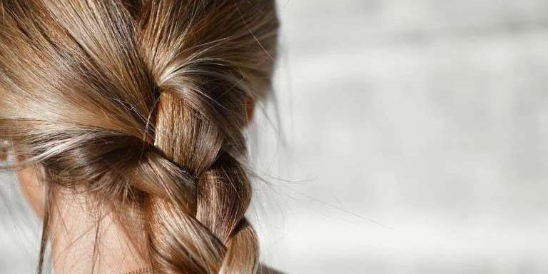 В Петербурге суд конфисковал у норвежца волосы российских студенток