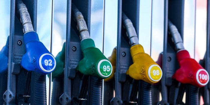 Нефтяники: сдерживать цены на бензин уже невозможно