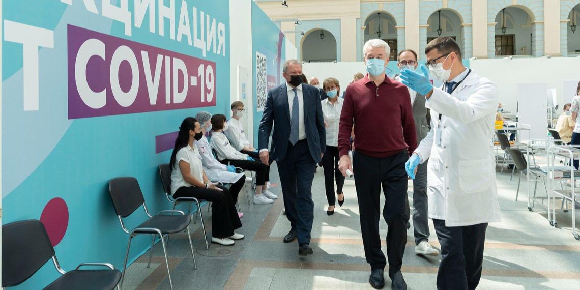 Собянин сообщил о 3 млн получивших первую дозу вакцины москвичей
