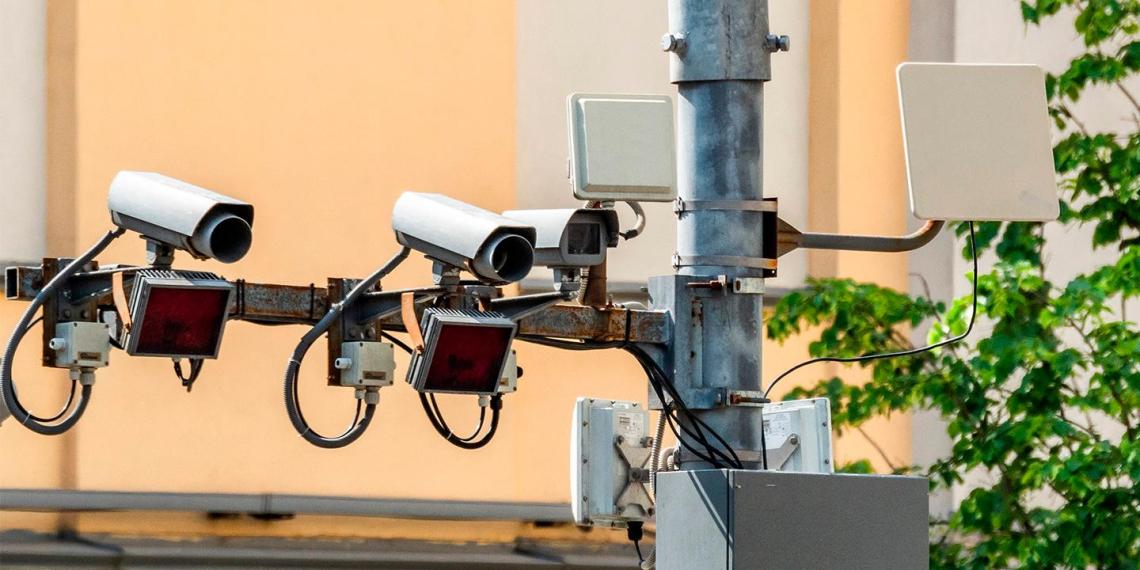 Дорожные камеры будут штрафовать водителей за несоблюдение дистанции и опасную езду