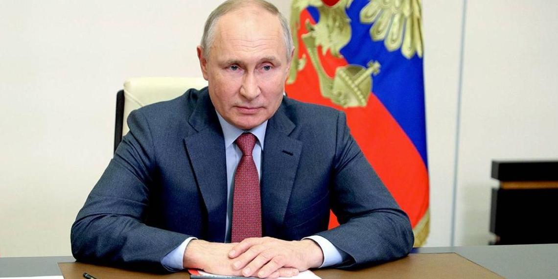 """Путин: значительная часть предложений к посланию поступила от """"Единой России"""""""