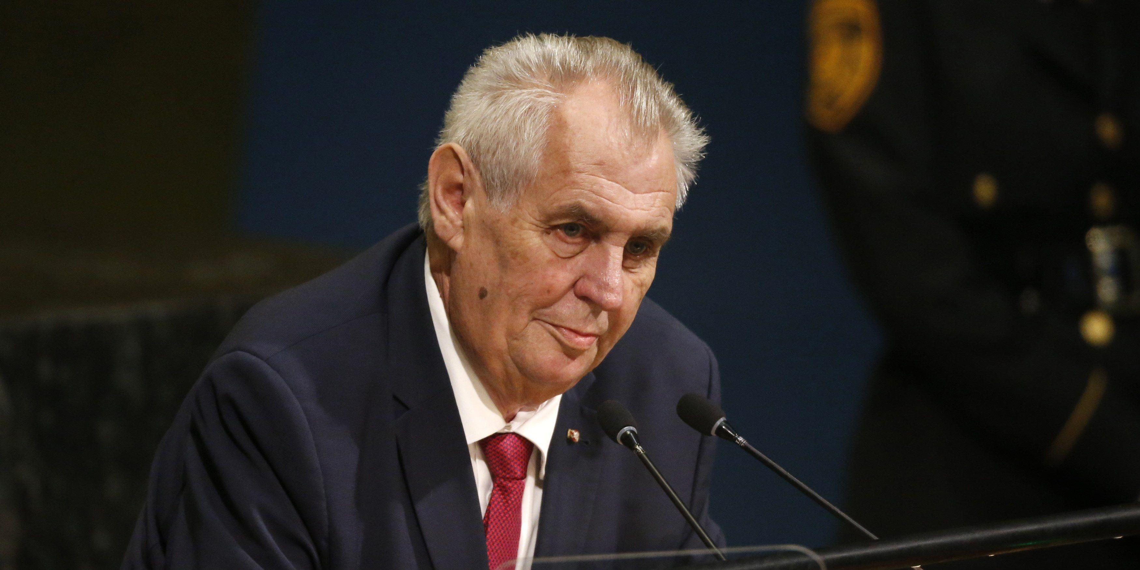 Президент Чехии предложил закрыть границы на год