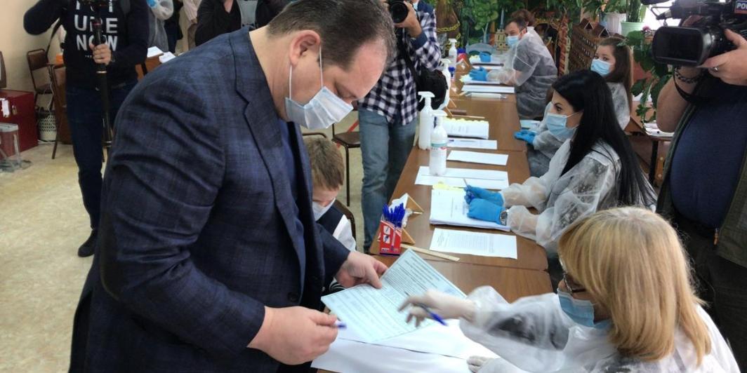 Ростислав Гольдштейн принял участие в едином дне голосования
