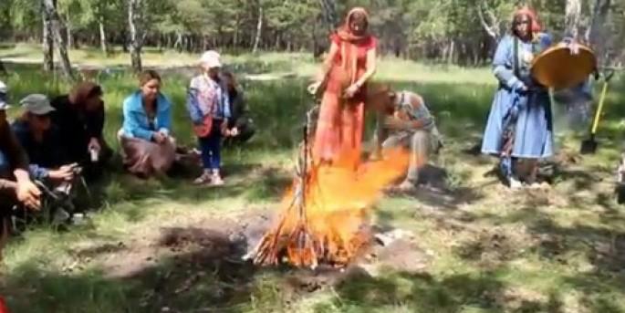 Сибирские шаманы провели обряд во имя возрождения Омска