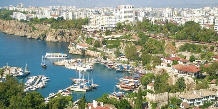 Роспотребнадзор признал условия в турецкой Анталье опасными для туристов