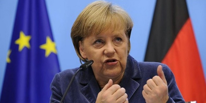 Bloomberg View: в случае дефолта в Греции, Меркель приведет к краху всю Европу