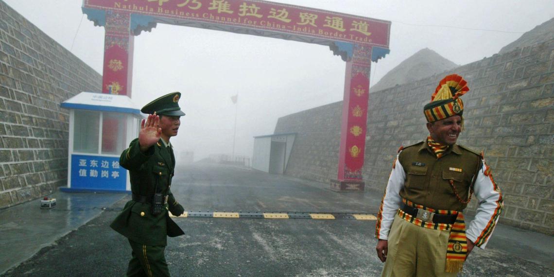 Индия и Китай возобновили вооруженные столкновения