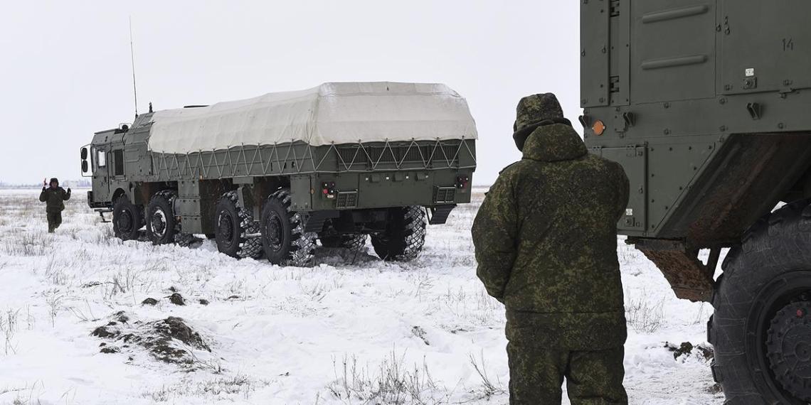 """Российские военные отработали ракетную атаку из """"Искандеров"""" на Балтике"""