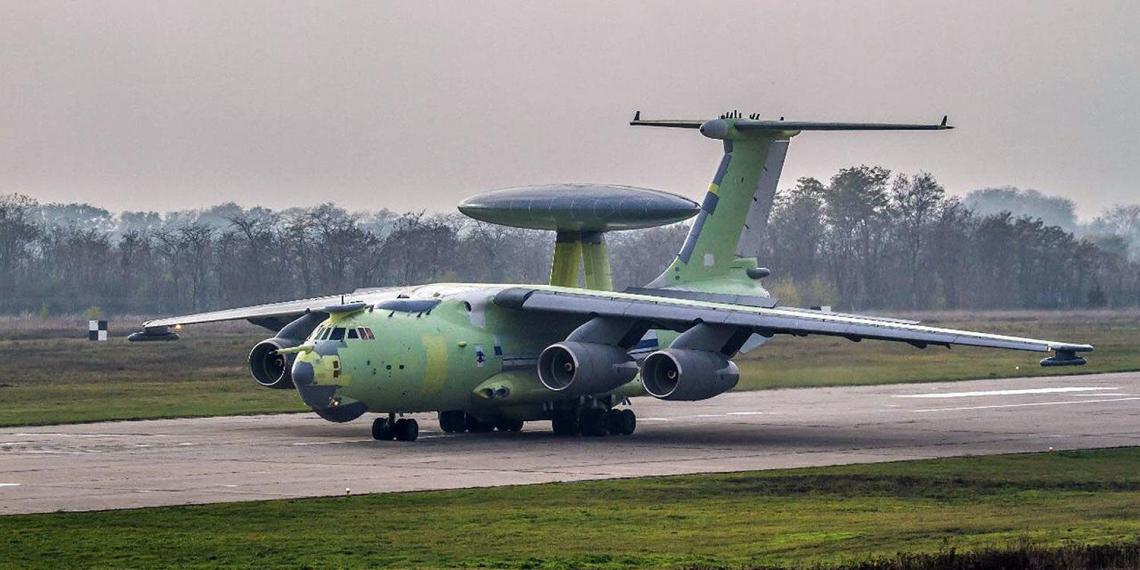 Новейший российский самолет-разведчик А-100 совершил первый полет