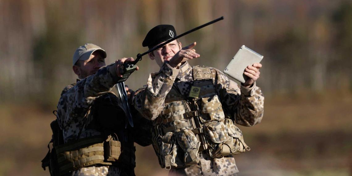 Латвия задействует армию для наведения порядка на границе с Белоруссией