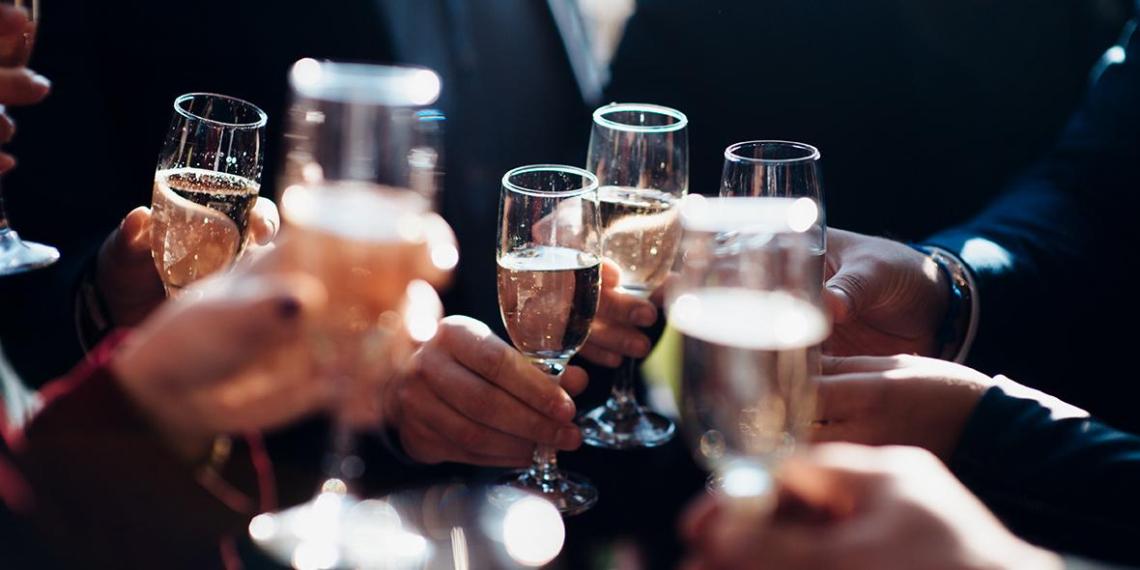 Главный нарколог Минздрава раскрыл влияние алкоголя на коронавирус