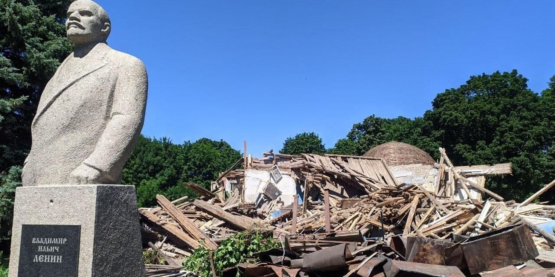 В Пензе снесли уникальный деревянный планетарий, на реставрацию которого выделили 350 млн