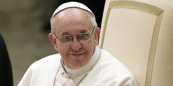 Папа Римский призвал церковь просить прощения у геев