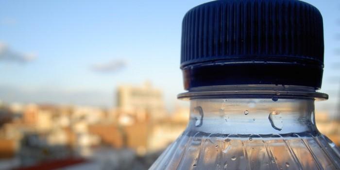 На Дальнем Востоке суд оштрафовал китайца, переплывшего границу с помощью бутылки