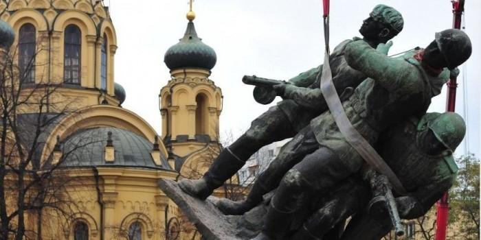 Россия даст Польше асимметричный ответ на снос советских памятников