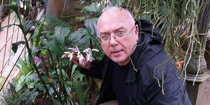 """""""Я обнимал и намекал на близость"""": ведущий Лобков извинился за домогательства к мужчинам"""