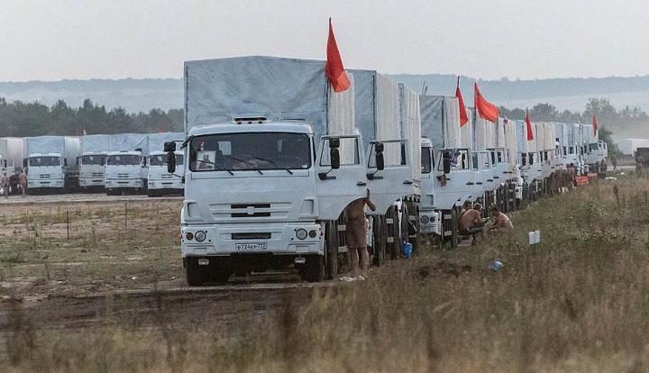 """""""Руки коротки"""": украинские власти хотели бы помешать гуманитарному конвою на Донбасс, но не могут"""