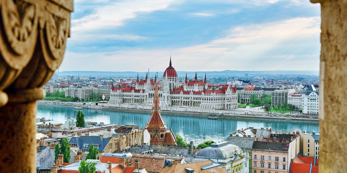 """Еврокомиссия готовит санкции против Венгрии из-за """"позорного"""" закона о ЛГБТ"""