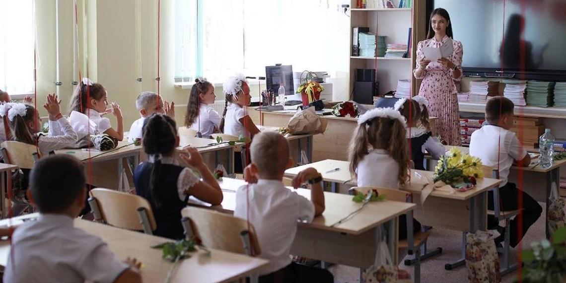 Кузнецова заявила, что школы с 1 сентября начнут работу в очном формате