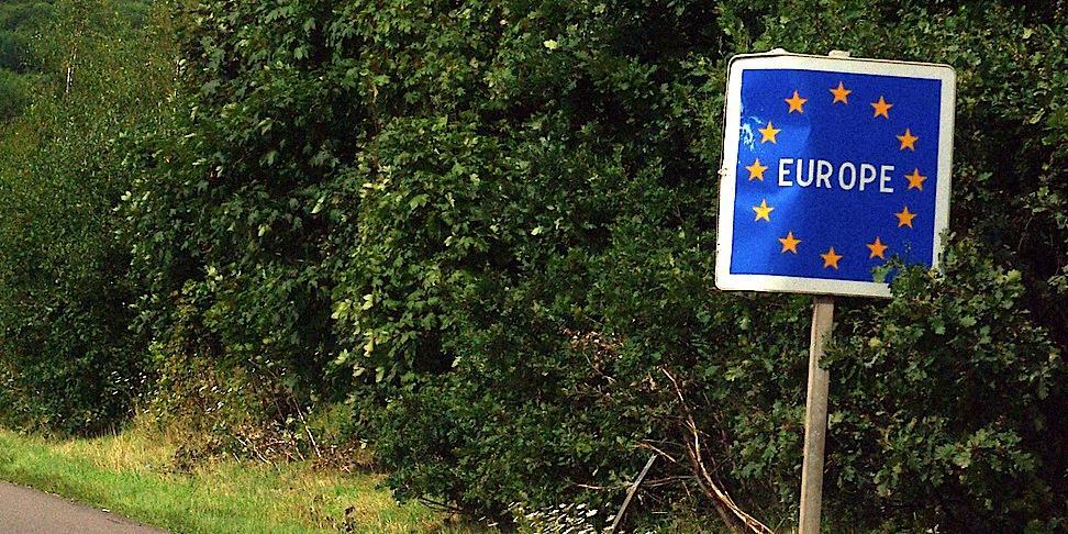 NYT: ЕС может запретить въезд россиянам и американцам