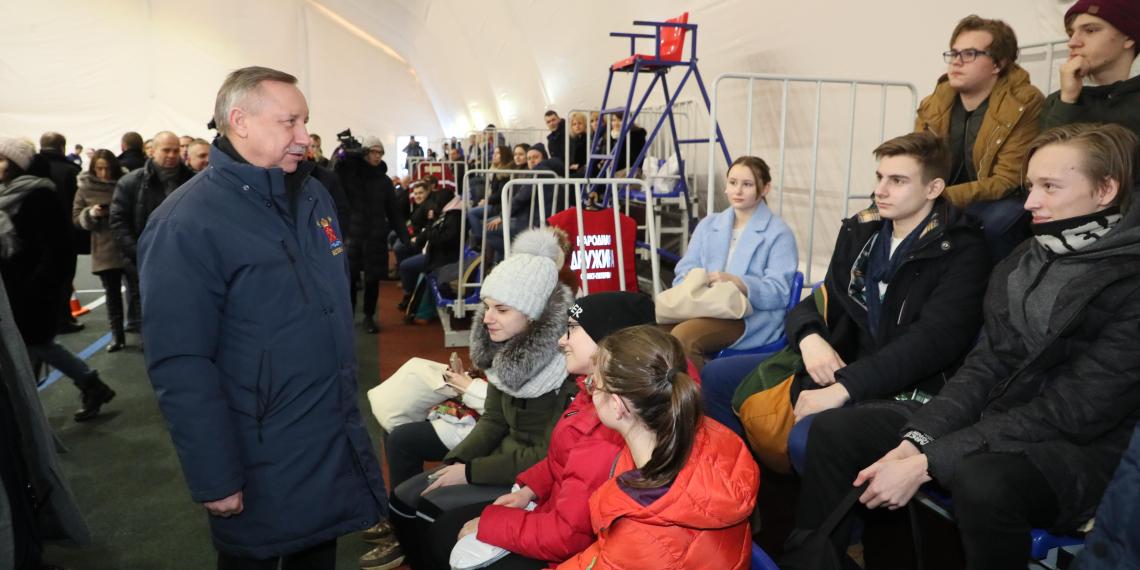 Беглов потребовал увеличить количество спортивных площадок и избегать бюрократических проволочек