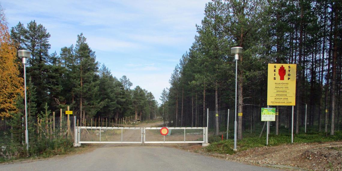 Две школьницы из Петербурга решили прогулять учебу, сбежав в Финляндию