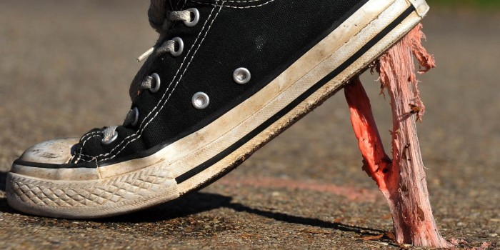 На улицы Сочи выплюнули 17 тонн жвачки
