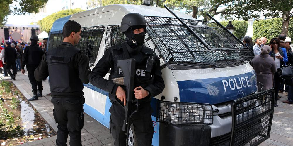 В Тунисе террорист-смертник взорвался у посольства США