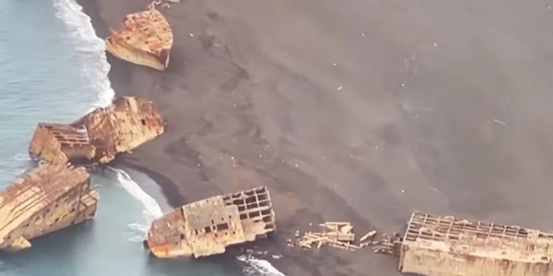 В Японии после землетрясения всплыли корабли-призраки времен Второй мировой