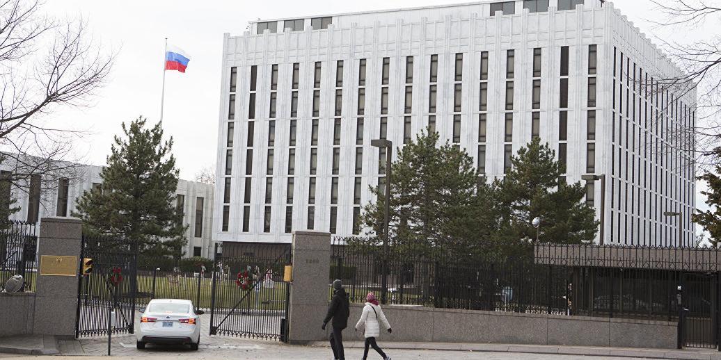 """Западные страны высылают десятки российских дипломатов из-за """"дела Скрипаля"""""""