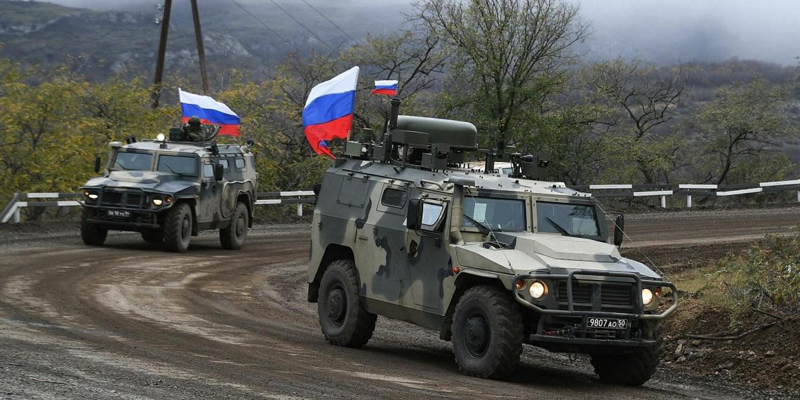 В Карабахе двое российских миротворцев получили ранения