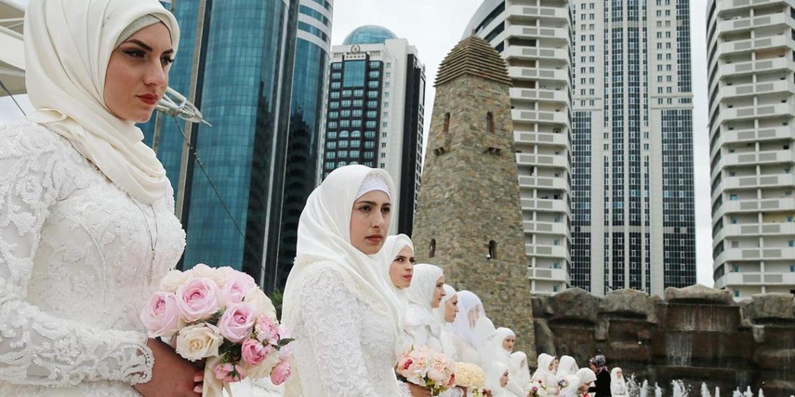 Кадыров поручил выделить малоимущим деньги на выкуп 207 невест в Чечне