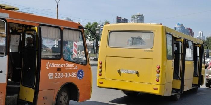 Екатеринбургскую школьницу с медицинским прибором выгнали из автобуса, приняв за террористку