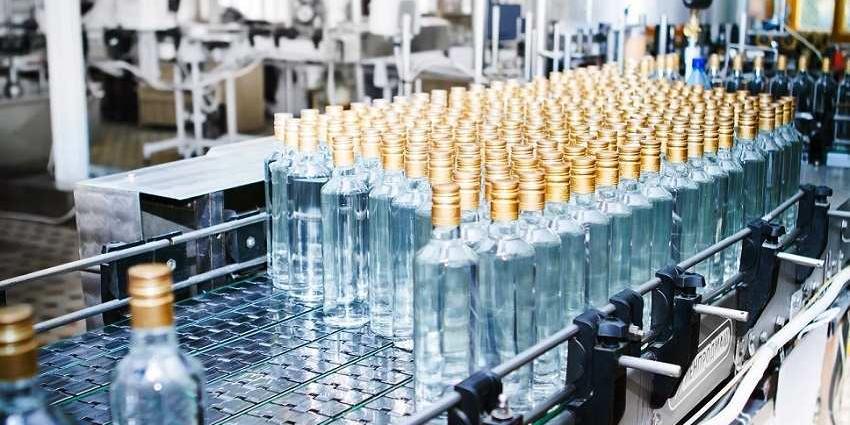 Уральские пенсионерки тайно запустили старый ликеро-водочный завод