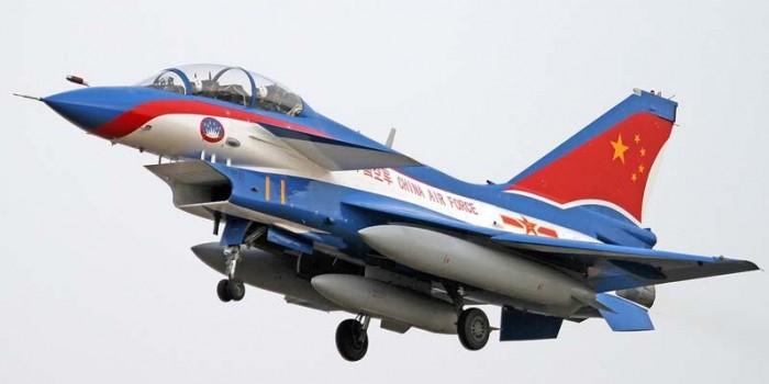"""Пентагон заявил о """"непрофессиональном"""" перехвате Китаем военного самолета США"""