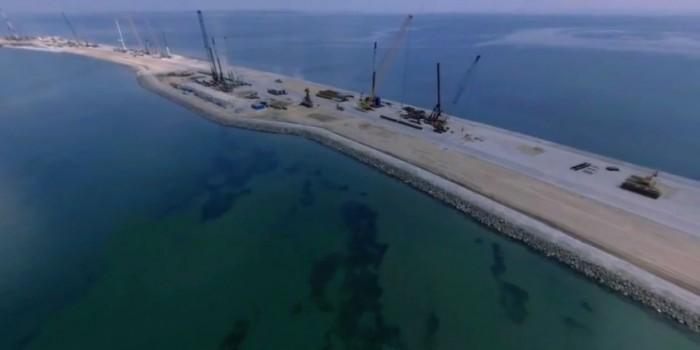 Правительство перенесло запуск поездов по Керченскому мосту на год