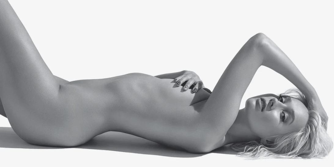 Клава Кока похвасталась своими горячими фото без лифчика и трусов для Playboy