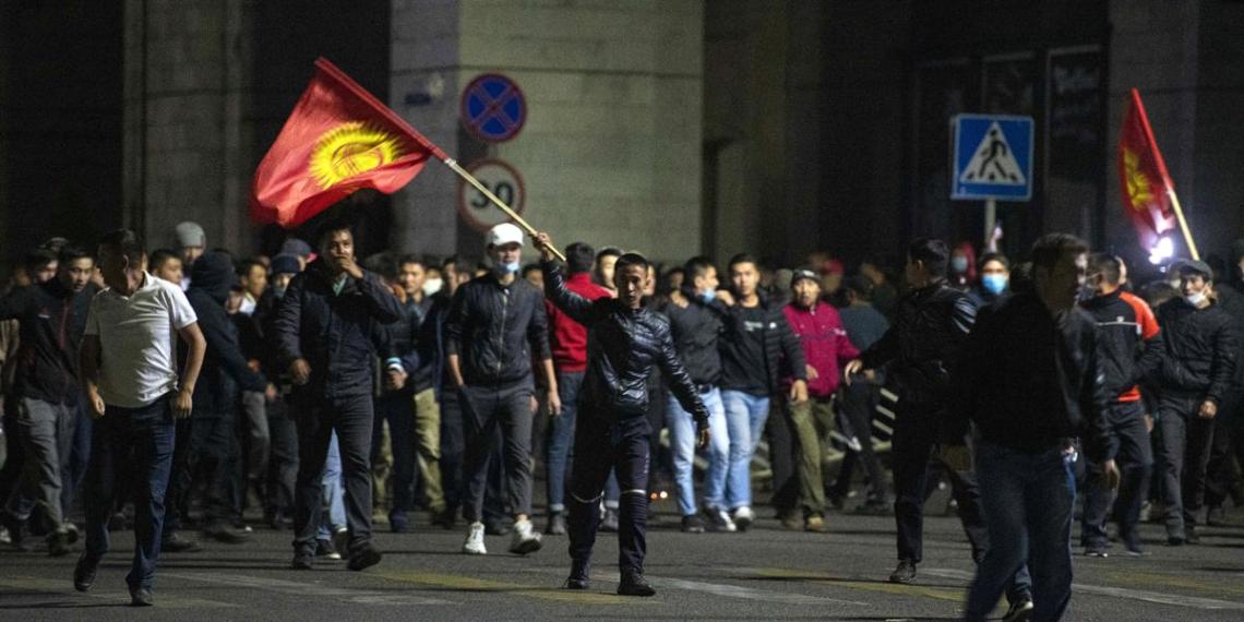 Президент Киргизии допустил возможность аннулирования итогов выборов
