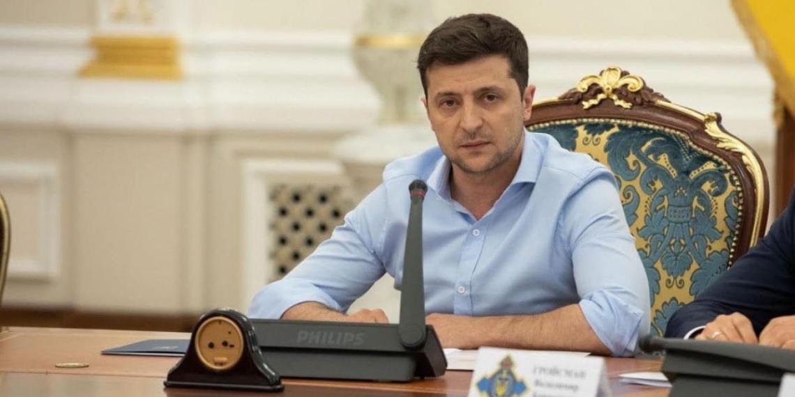 На Украине оппозиция инициировала импичмент Зеленского