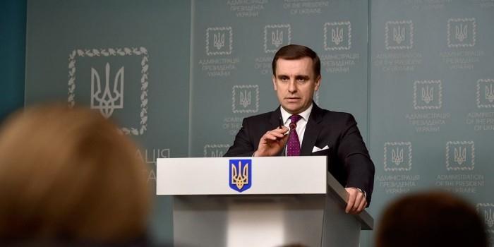 У Порошенко заявили о согласии России на вооруженных миротворцев на Донбассе