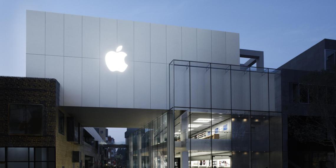 Павел Дуров написал статью о том, как Apple уничтожает стартапы по всему миру